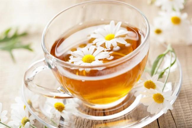 Trà hoa cúc có tác dụng an thần tốt